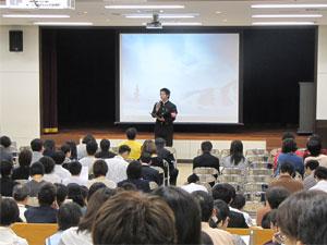 学生会の学生2