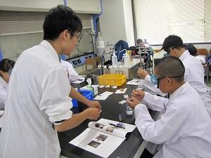 体験入学 物質化学工学科1