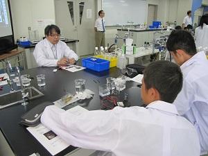 体験入学 物質化学工学科2