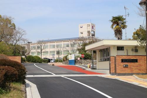 校門の写真.JPG