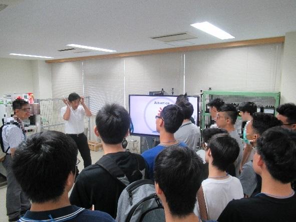 キャンパスツアーの様子1(修整有).jpg